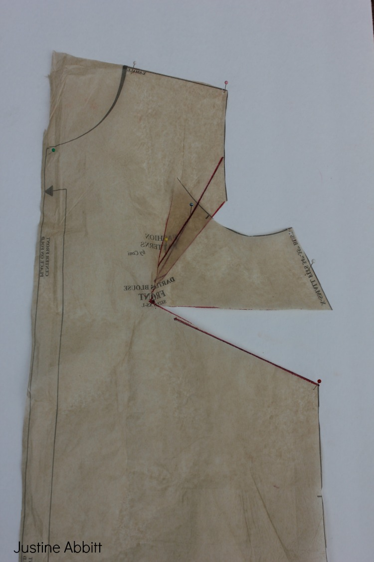 Dart shirt design your own - Pivot The Armhole Dart Closed Voila The Side Seam Line Will Open Up Creating A New Dart